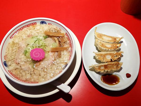 ソラノイロ食堂池袋店 塩ラーメンと餃子