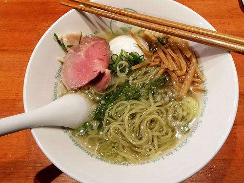 六感堂池袋塩グリーン麺